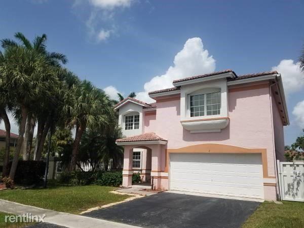 2 Gables Blvd, Weston, FL - $3,400