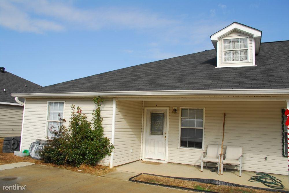 8616 Spring Ave Unit B, Ocean Springs, MS - $795