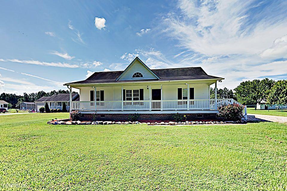 134 Little River Drive, Zebulon, NC - $1,350