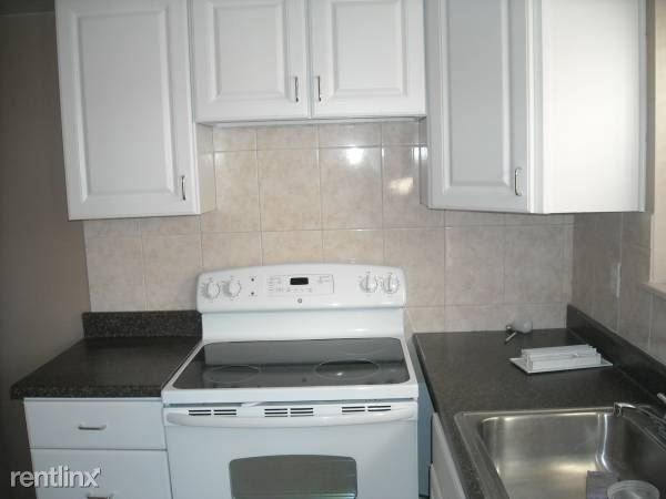 61 Furness Pl 1, Staten Island, NY - $1,300 USD/ month