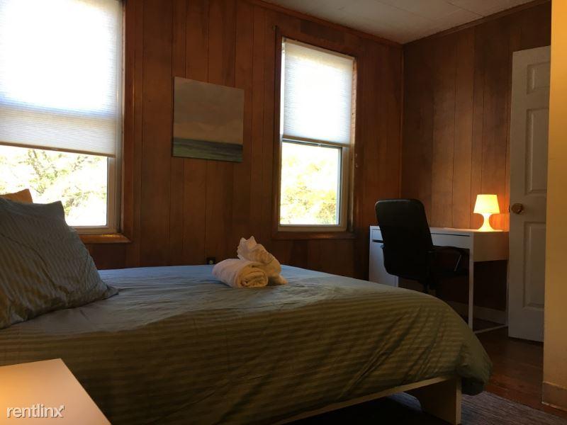 137 Cottage St 2, Boston, MA - $700