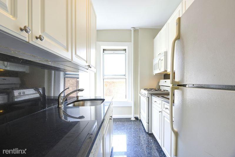 241 W 13th St 18, New York, NY - $3,291