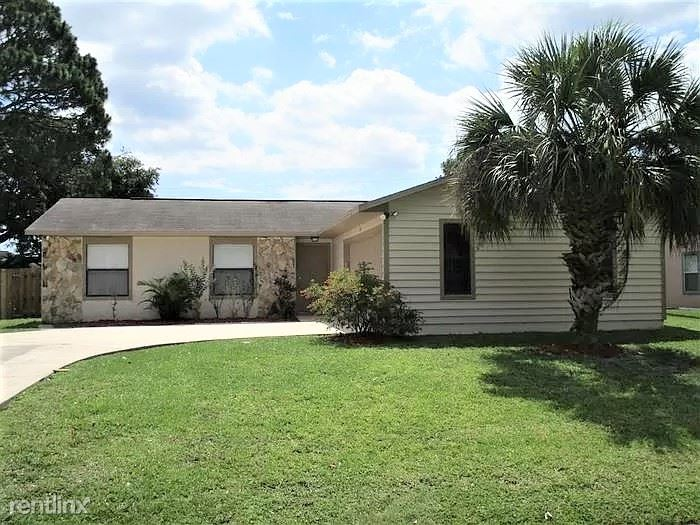 726 Lime Ave NW, Palm Bay, FL - $1,449