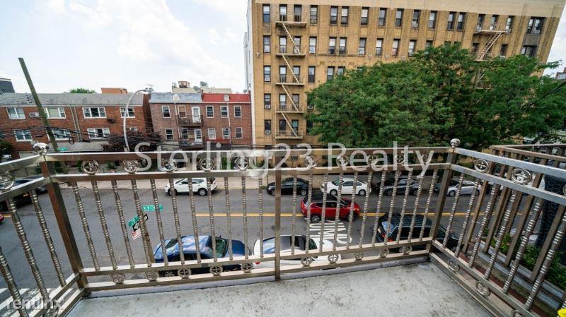 27-17 Newtown Ave 3, Astoria, NY - $3,195