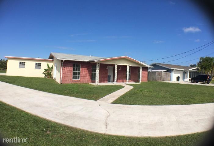 316 Holly Ave, Port Saint Lucie, FL - $1,700