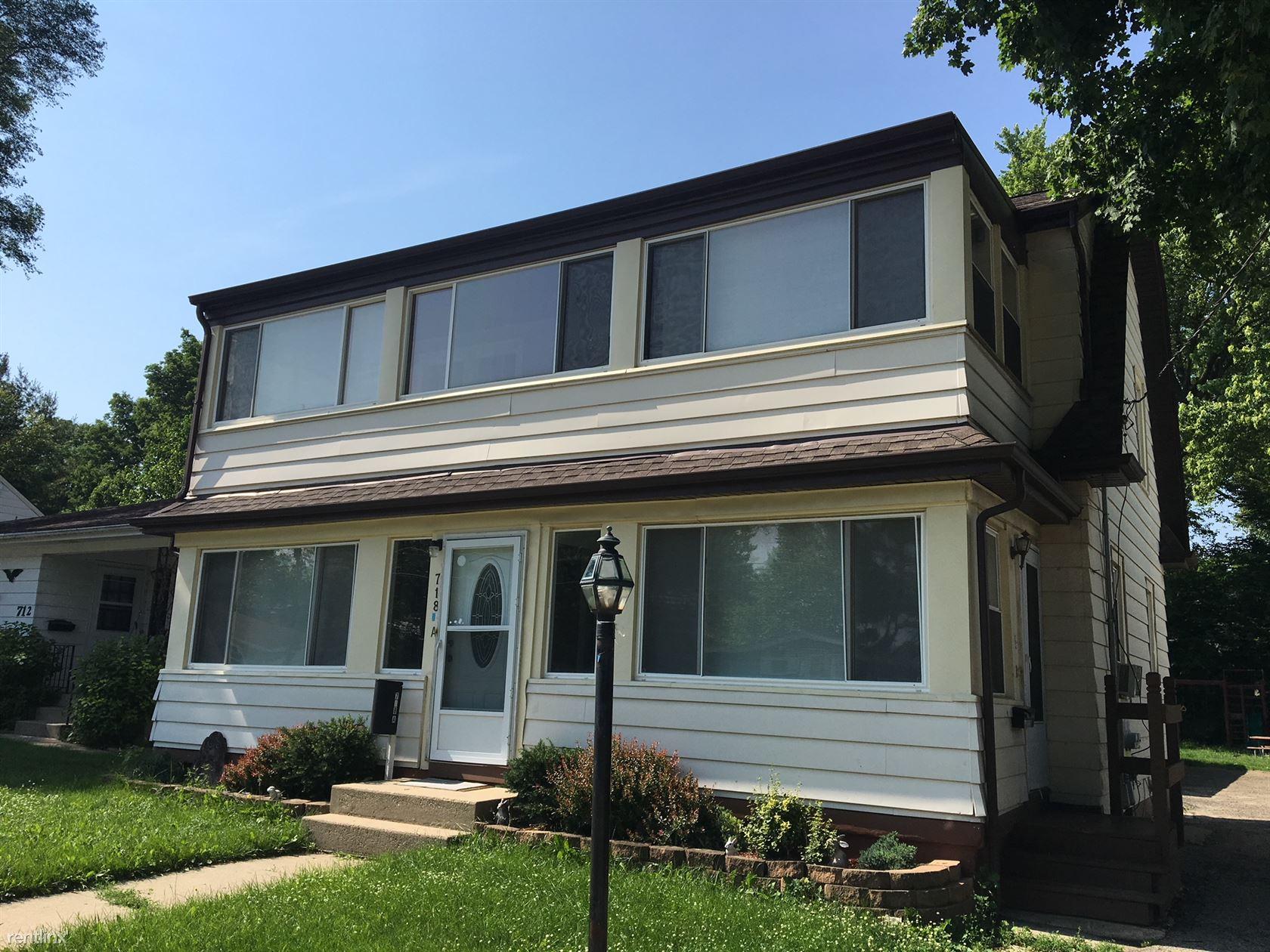 718 Parkway Ave Unit A, Elgin, IL - $1,200