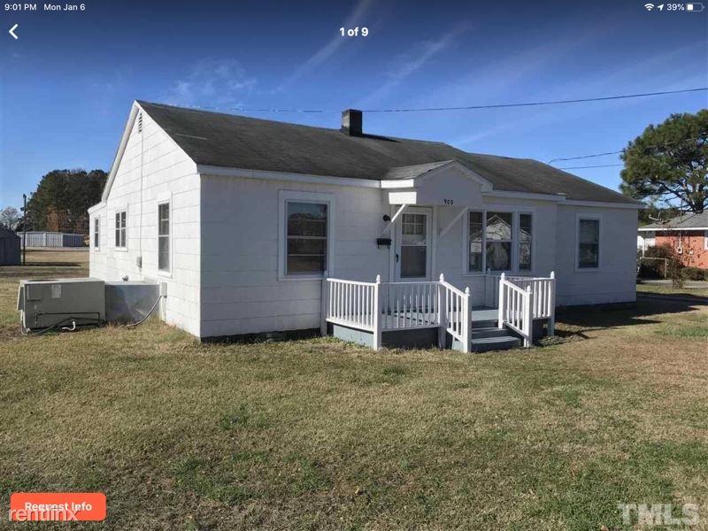 900 S Sampson Ave, Dunn, NC - $850