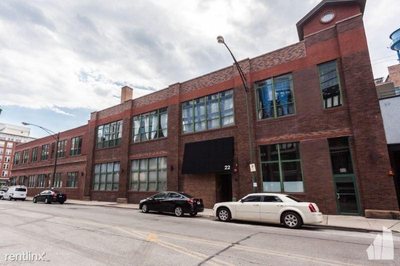 22 N Morgan St 214/214, Chicago, IL - $4,900