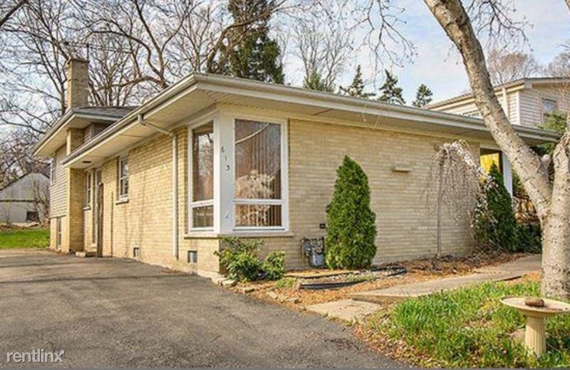 613 St Charles Rd, Glen Ellyn, IL - $2,000
