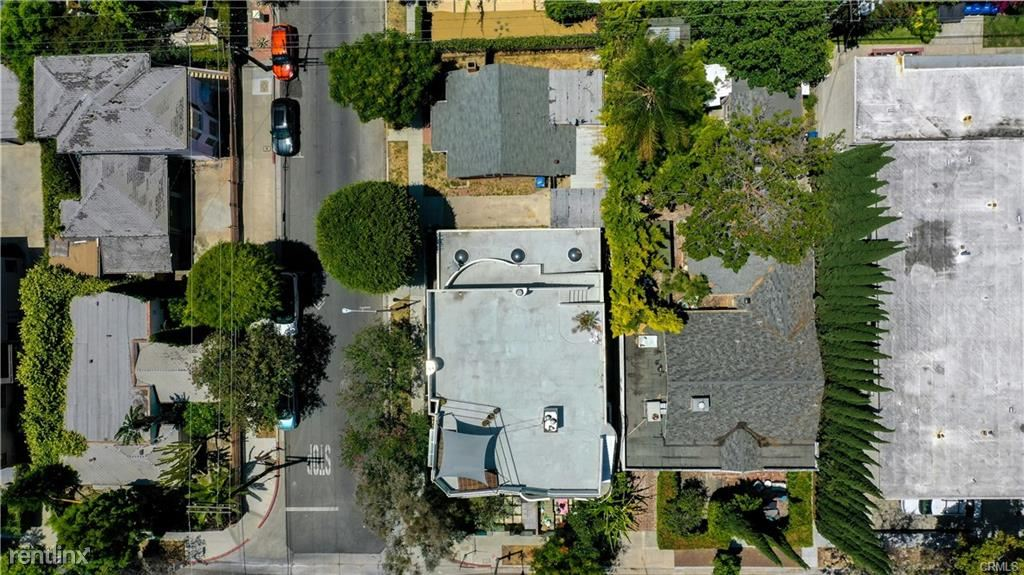 801 Westbourne Dr, West Hollywood, CA - $5,995