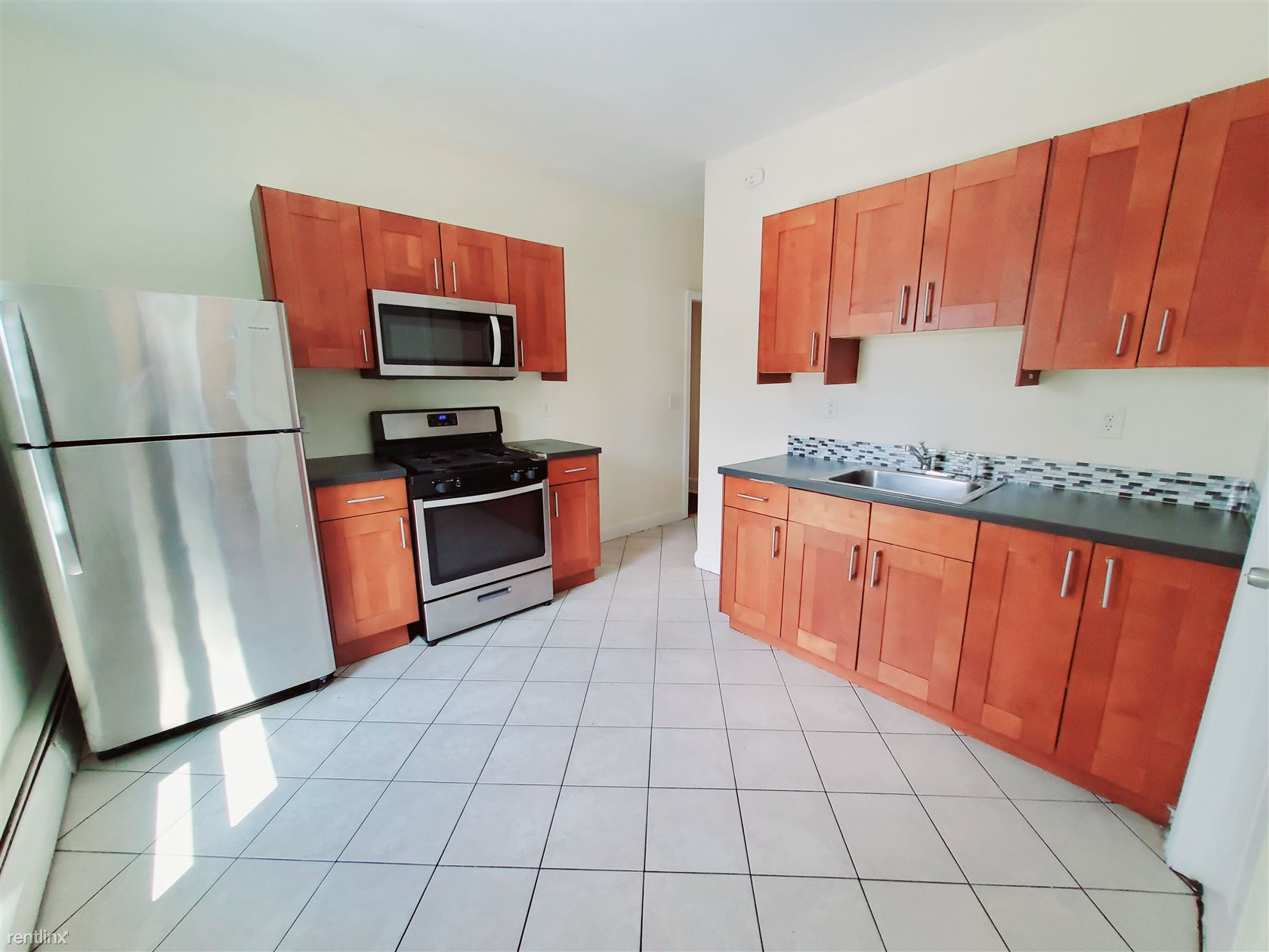 Cove Rd, Stamford, CT - $1,850