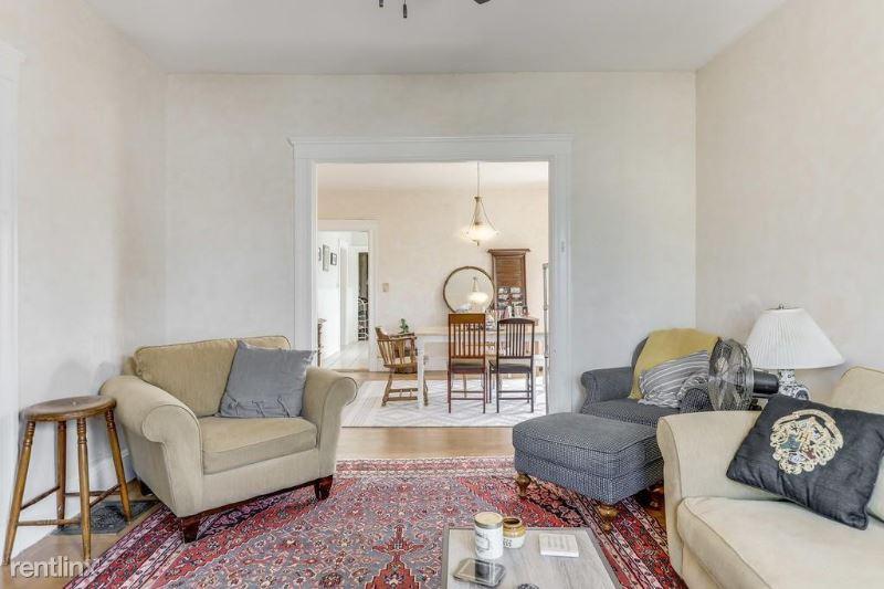 61 Derby Street, Sommerville, MA - $2,300
