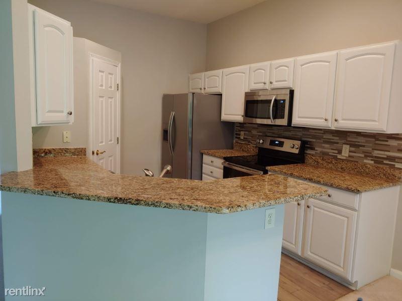 5611 Flagstone Way, Milford, OH - $1,595