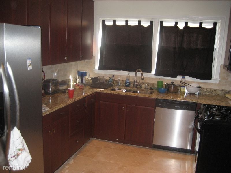 9041 Bronx Ave 1s, Skokie, IL - $1,450