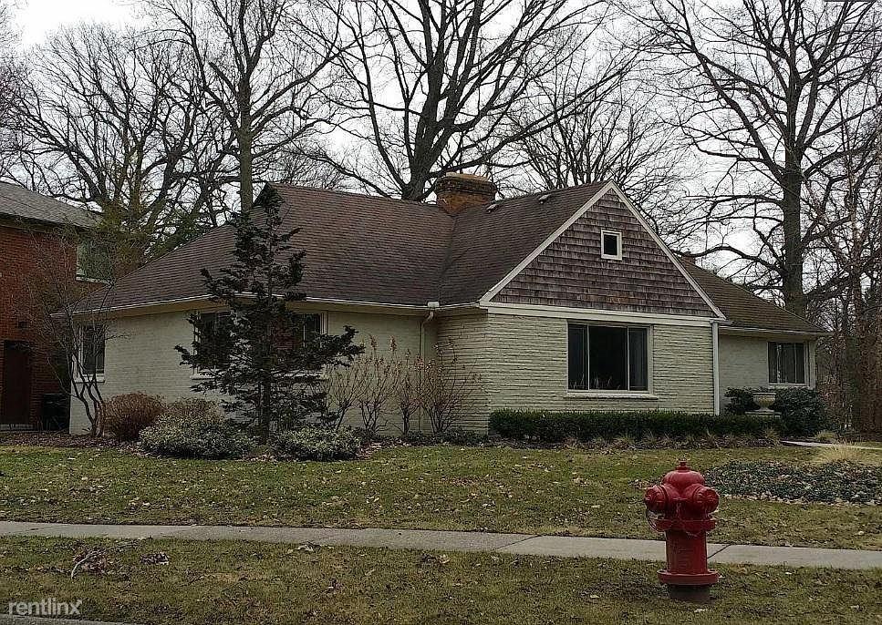 12945 Vernon Ave, Huntington Woods, MI - $2,800
