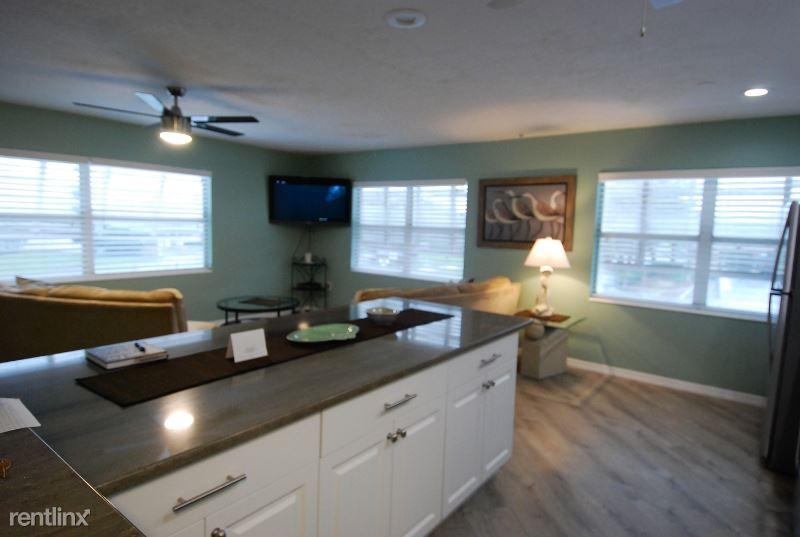 200 104TH AVE #1, Treasure Island, FL - $2,000