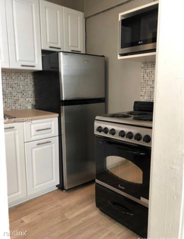 119 Menores Ave 12, Coral Gables, FL - $1,100