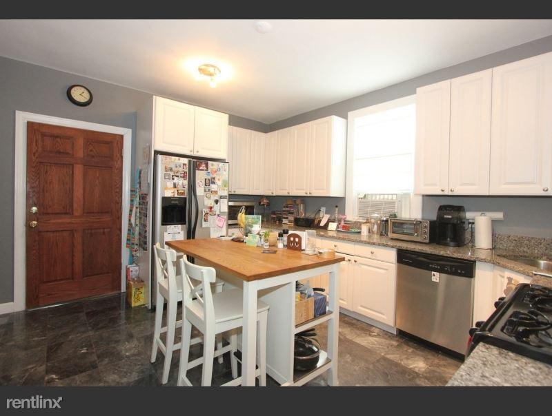 936 Marengo Ave 1, Forest Park, IL - $1,650