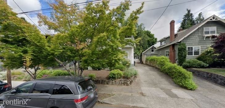 3115 NE Schuyler St Single Car Garage, Portland, OR - $240