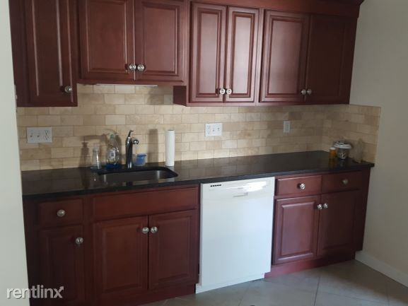 595 Whitney Ave 2B, New Haven, CT - $1,850
