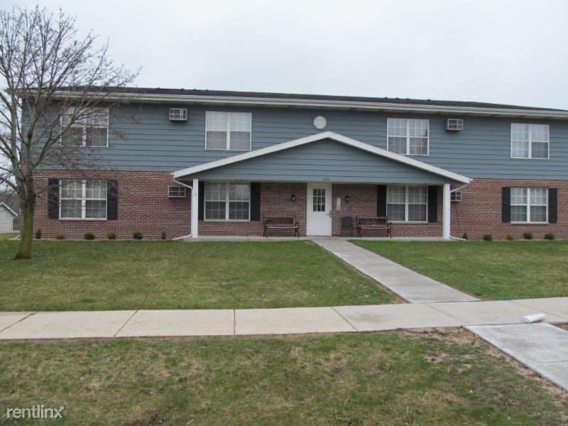 2035 W. Sylvan Way #8, West Bend, WI - $755