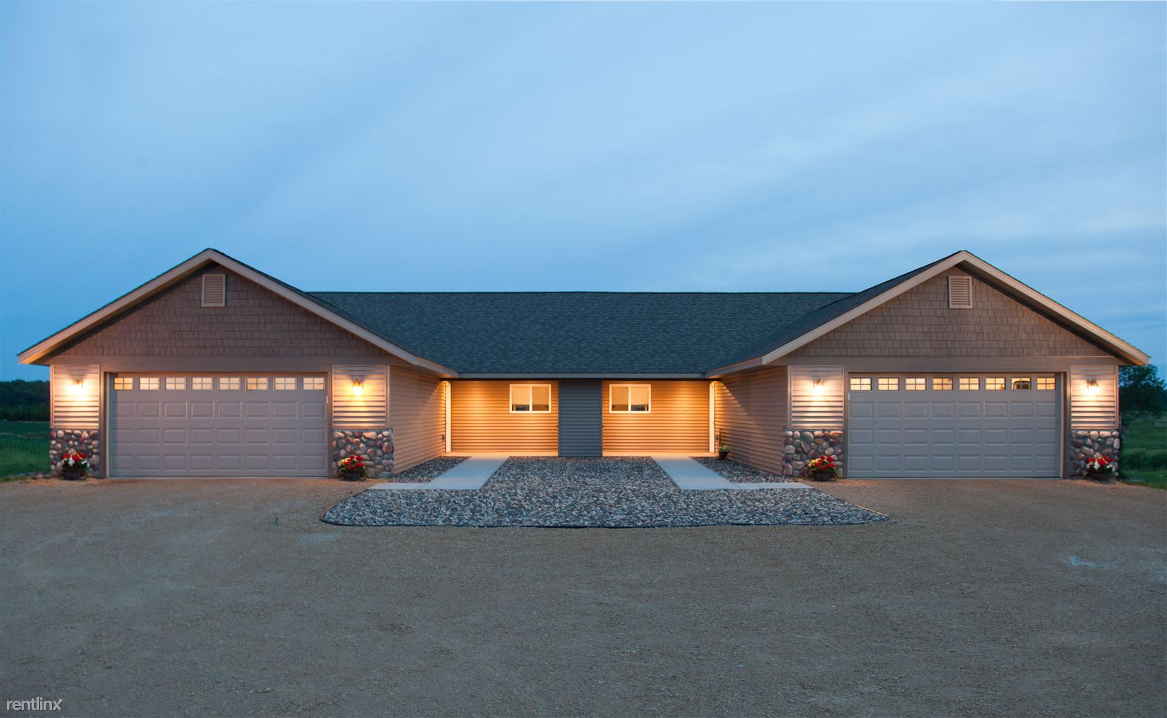 674 Hillary Farm Rd, Hudson, WI - $1,675