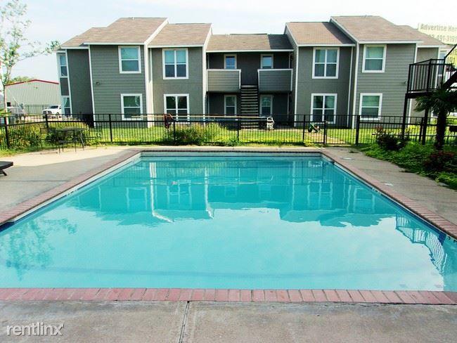 1301 N State Highway 121, Bonham, TX - $800