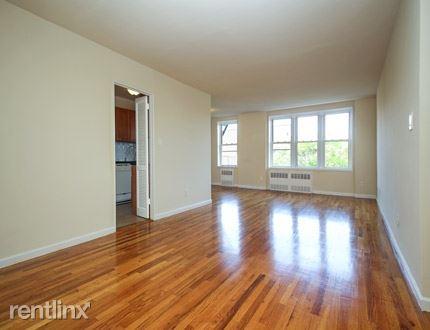 34TH AVE /  PARSON Blvd, Flushing, NY - $1,975