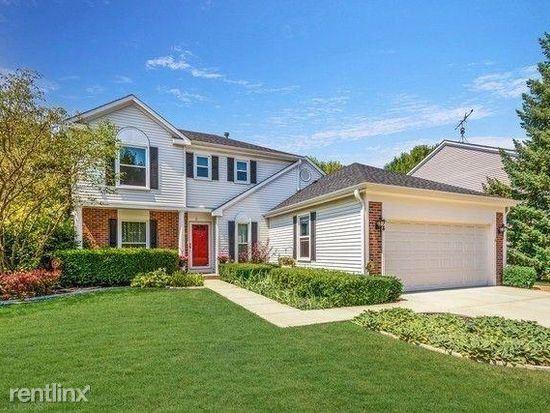 54 N Royal Oak Dr, Vernon Hills, IL - $2,650