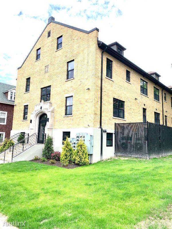 18 eighth street 401, Providence, RI - $2,100