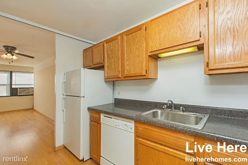 W Buena Ave and N Clarendon Ave, Chicago, IL - $1,415