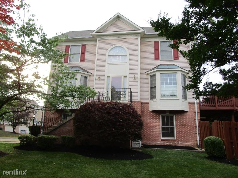 7073 Kings Manor Dr, Alexandria, VA - $3,200