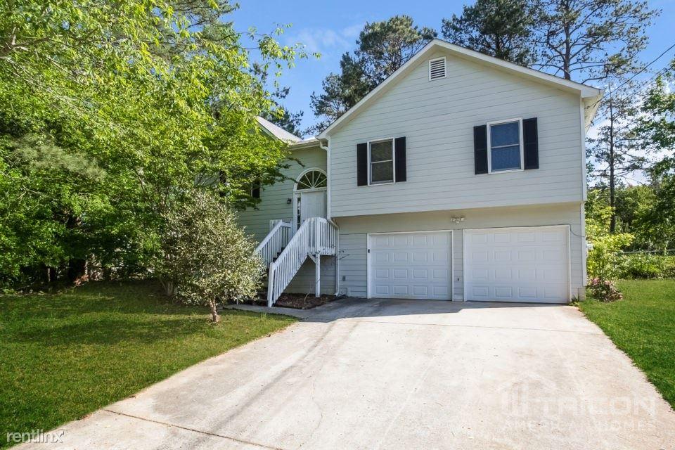 45 Silverthorne Circle, Douglasville, GA - $1,449