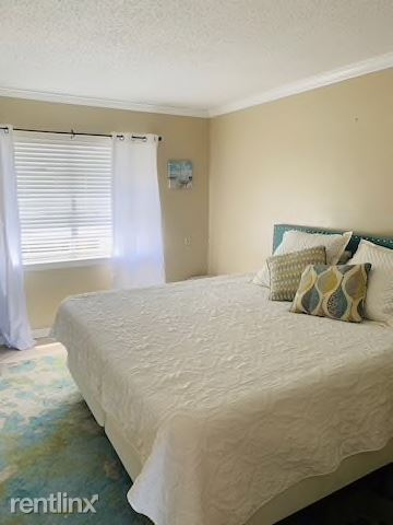 970 W Beach Blvd, Gulf Shores, AL - $1,400