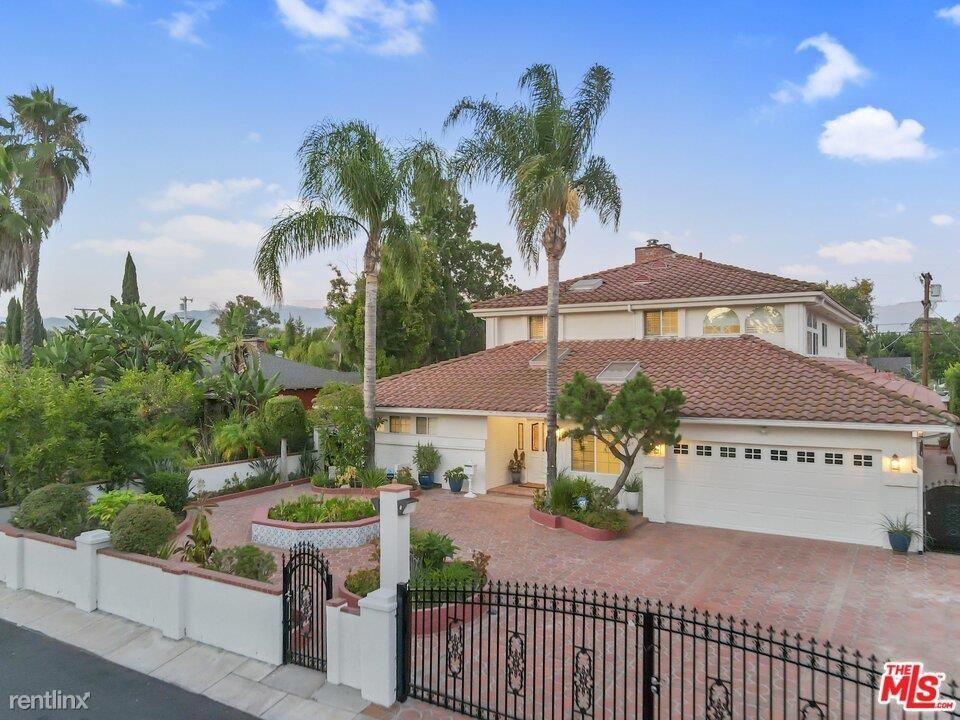 4930 Biloxi Ave, North Hollywood, CA - $9,875