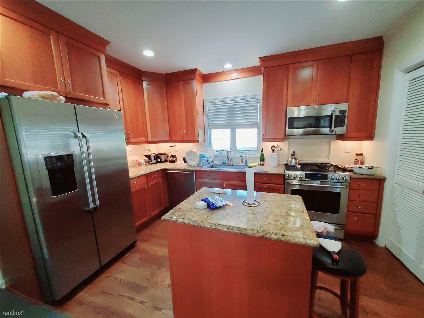 59 Elizabeth Ave, Stamford, CT - $4,000