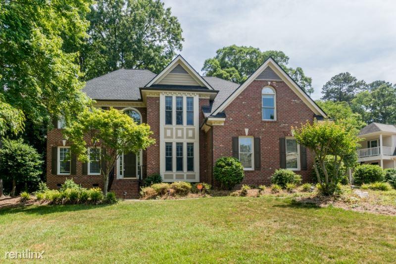 202 Whitcomb Lane, Cary, NC - $3,150