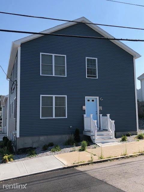657 Pine street 1, Central Falls, RI - $1,550