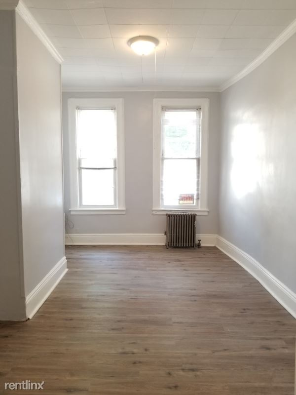 88-40 85th St 1FLR, Woodhaven, NY - $2,100
