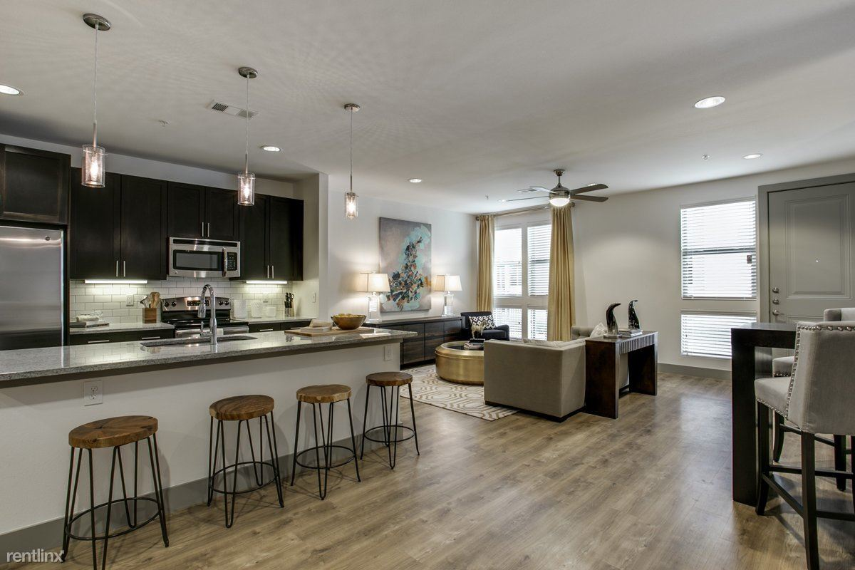 4301 Ross Ave, Dallas, TX - $2,503 USD/ month