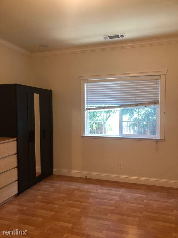 Clarke Ave.,, E Palo Alto, CA - $1,500