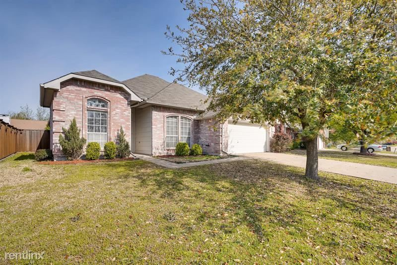 115 Mulberry Ln, Rockwall, TX - $1,745