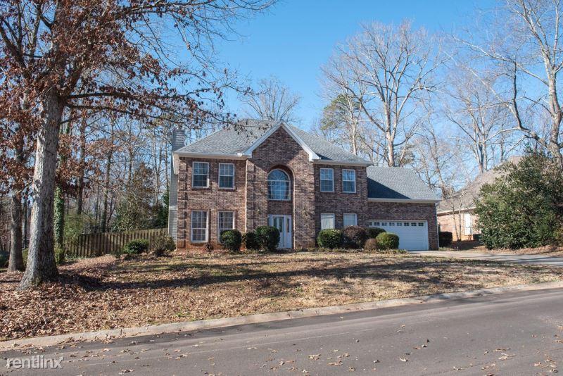 2594 Falcon Creek Ct, Suwanee, GA - $1,950