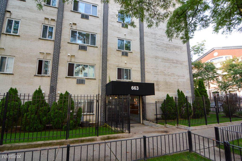 663 W. Grace, Unit 409, Chicago, IL - $900