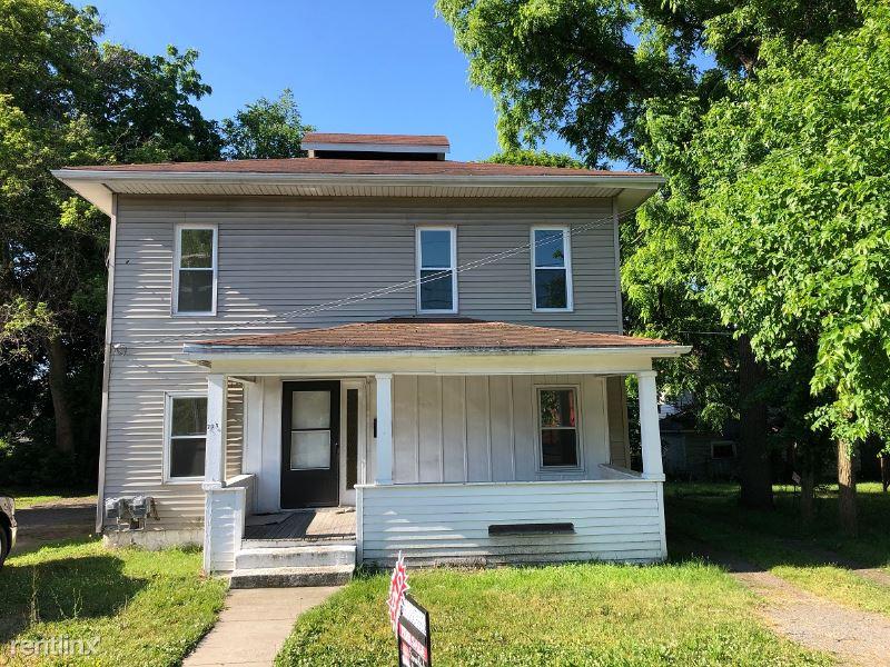 723 W. Ganson St 1, Jackson, MI - $750