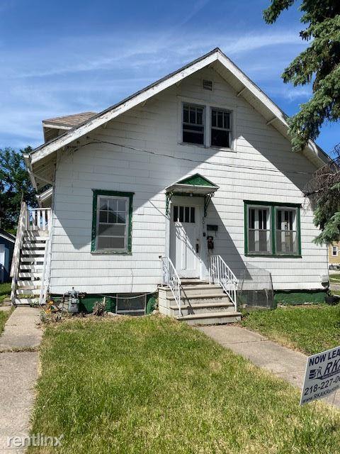 801 Kennedy Ct N, Fargo, ND - $1,295