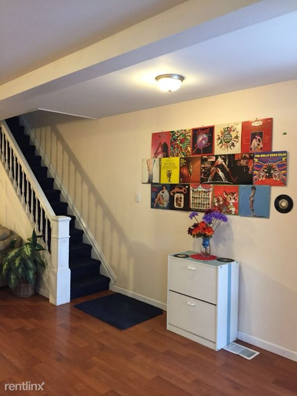 4916 Cypress St Front, Pittsburgh, PA - $600