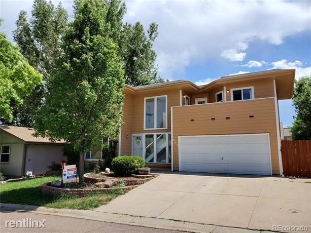 401 Cypress Street, Broomfield, CO - $2,720