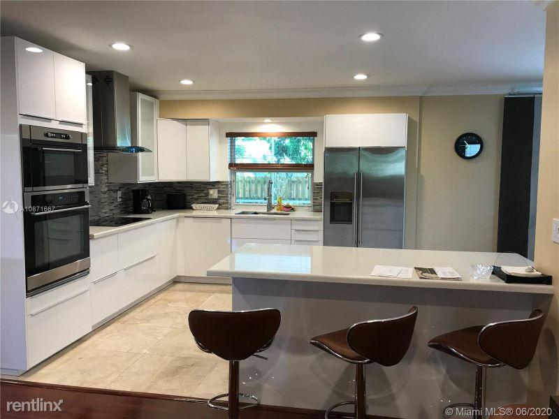 740 Ridgewood Ln, Plantation, FL - $3,000