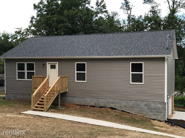 1806 Strathmore Rd, Knoxville, TN - $1,950